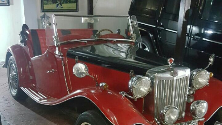 Senator Dino Melaye buys 180m naira vintage Rolls Royce