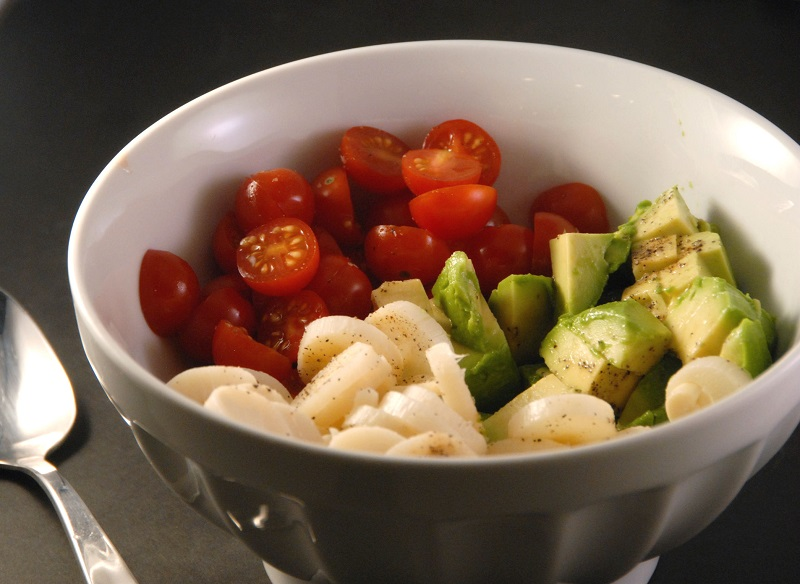 cherry tomatoes hearts of palm avocado salad