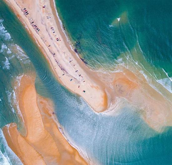 Nova ilha surge do nada no Triângulo das Bermudas 2