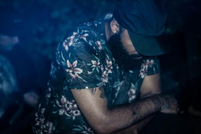 O rapper IVS solta novo single dedicado a mulheres negras
