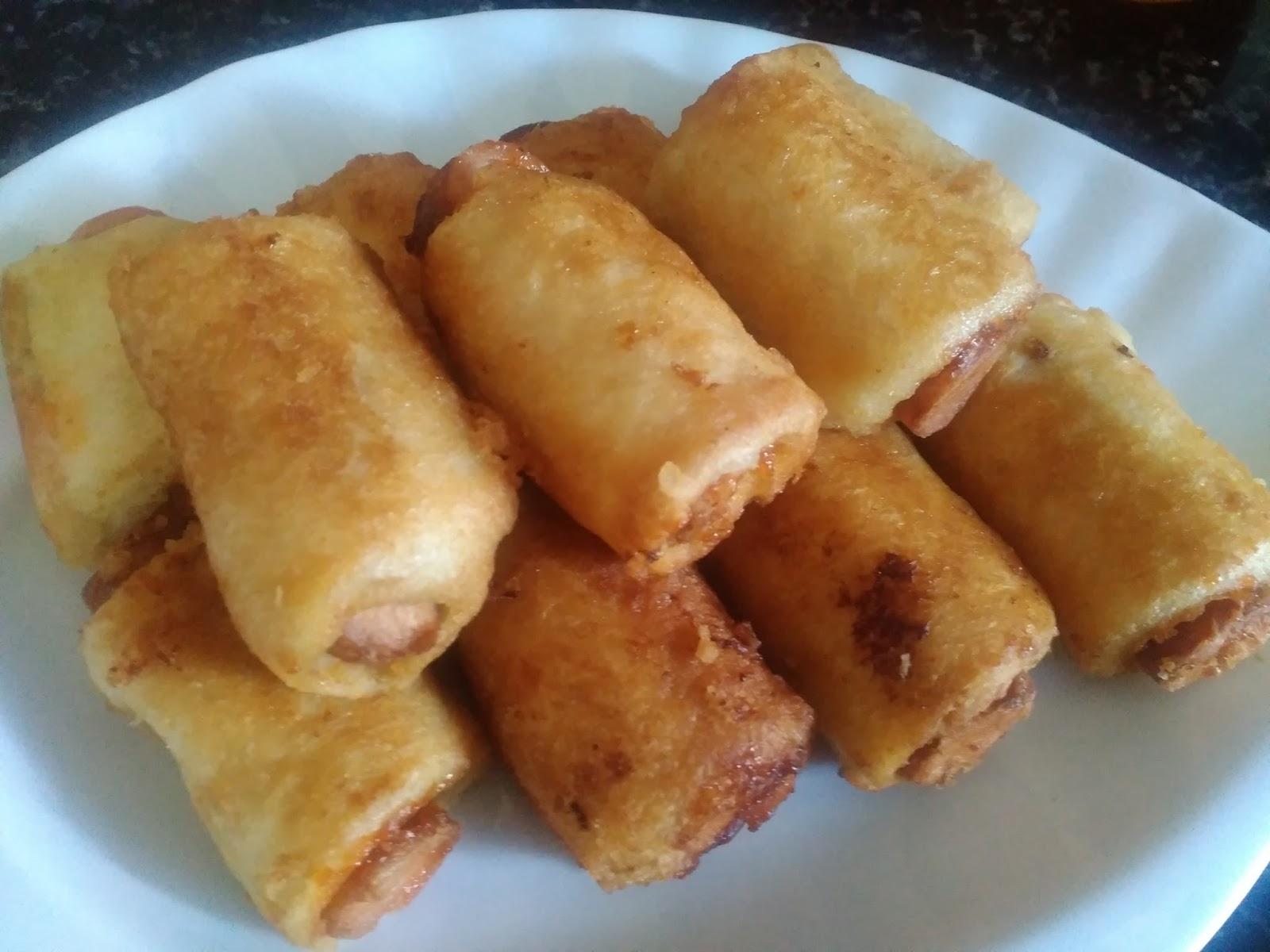 Dapur Cempakasari Roti Gulung Sosej Goreng Celup Tepung