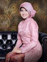 Kebaya Wisuda Muslim