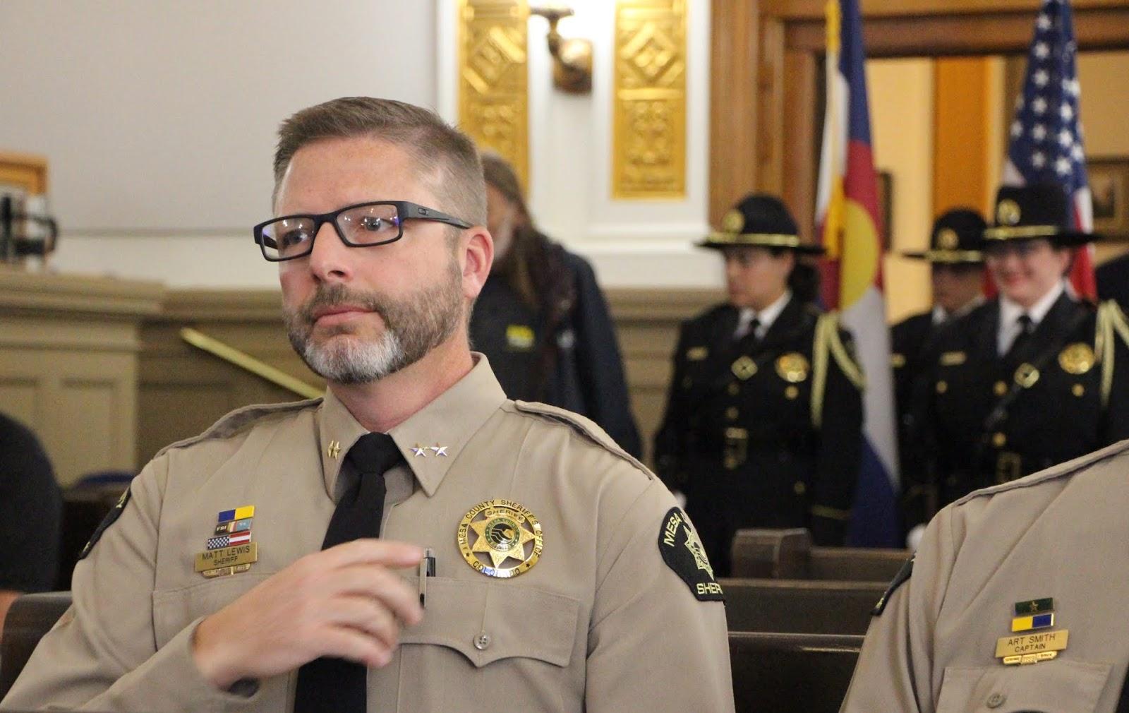 sheriff matt english talks - HD1600×1010