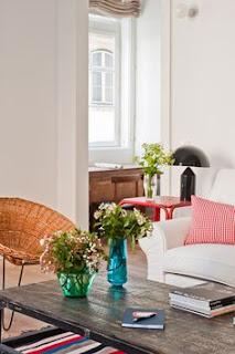 Bunga Hiasan Meja Ruang Tamu Rumah Minimalis Paling Diminati
