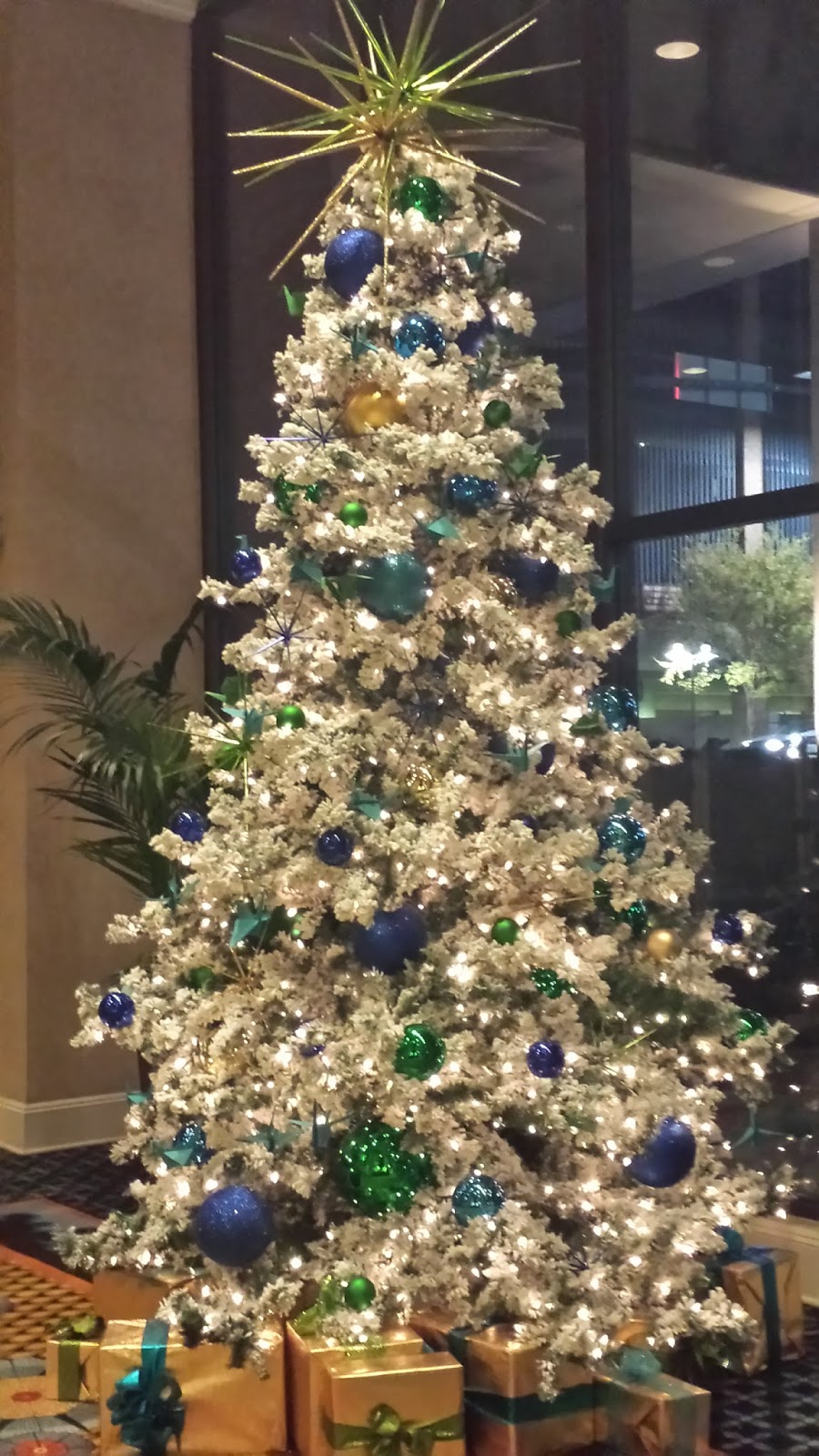 Decorating by Michelle: Beautiful Christmas Trees--Just ...