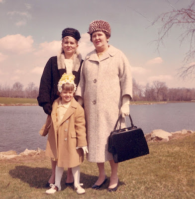 In our Easter bonnets... The Dixon/Traina ladies showing their Spring style. 1964, Warinanco Park, Union Co. NJ. collection of E. Ackermann, 2017.