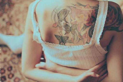 Esta borboleta desenhos de tatuagem são tão belo para as mulheres de volta, você será enfadado adoro esse desenho