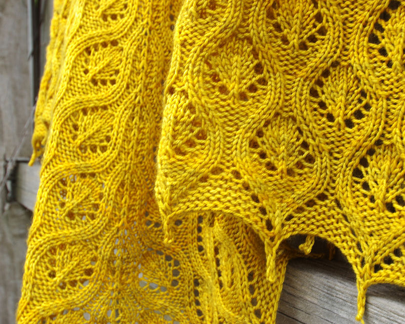 Faux Cable Shawl | Knitting | © Red Pepper Quilts 2017