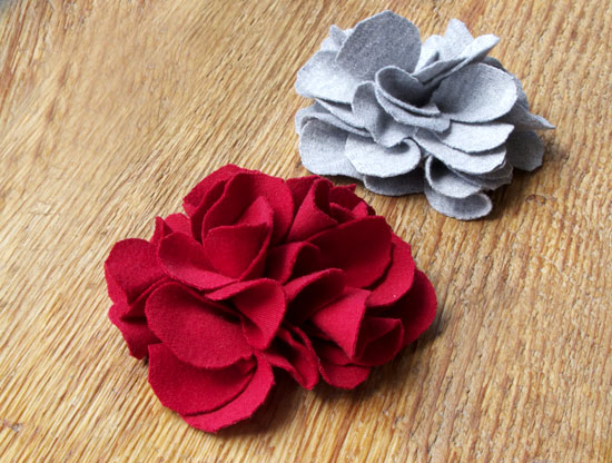 Upcycling.....T shirt fabric flowers | A Touch of Flowers ...