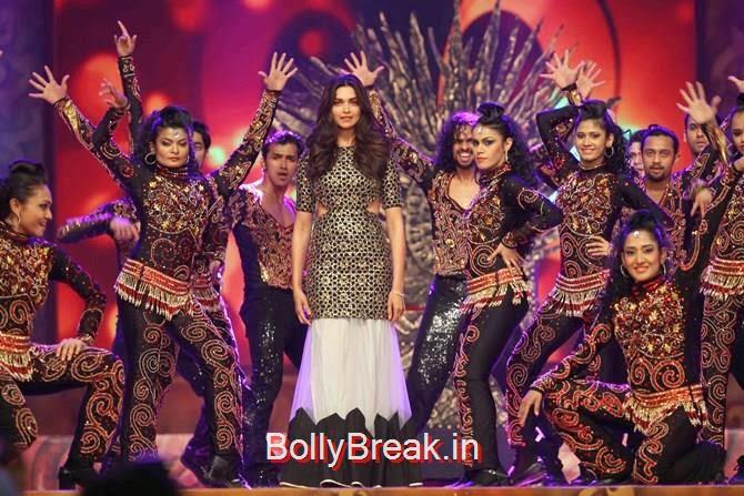 Deepika Padukone, Katrina,  Shah Rukh, Priyanka, Deepika At Umang 2015