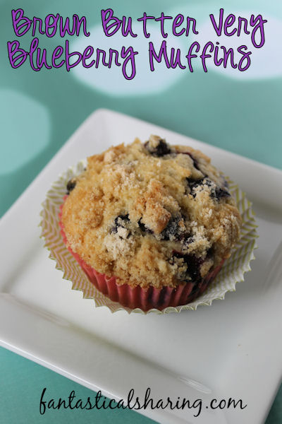 Brown Butter Very Blueberry Muffins | Normal blueberry muffins will never be the same again after you try these brown butter blueberry muffins! #breakfast #blueberry #muffins #recipe