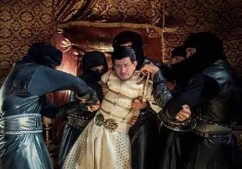 22 Mayıs 2016: Sultan Birinci Tayyip eski veziri Davutoğlu'nun kellesini bugün urdurdu