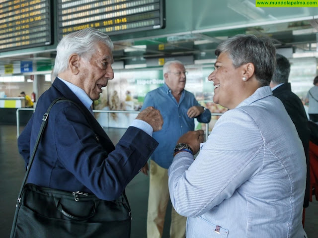 Mario Vargas Llosa llegó este lunes a La Palma para participar en el Festival Hispanoamericano de Escritores