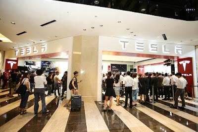 特斯拉台灣旗艦店開幕,允諾將在台增設充電站