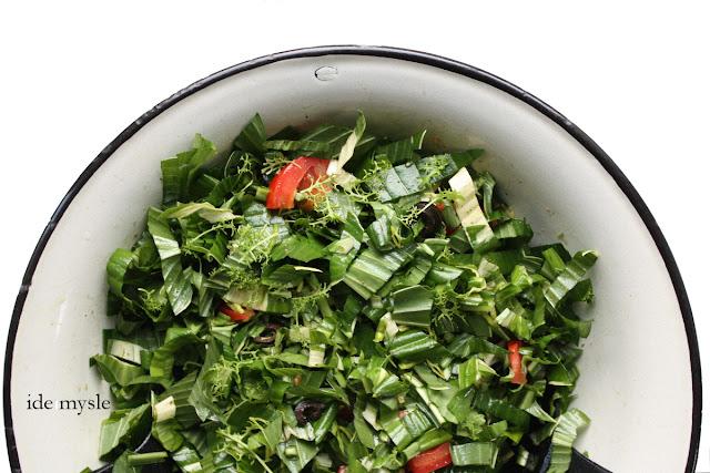 hosta, funkia przepis, jadalne rośliny ogrodowe, wiosenna sałatka hosta recipe