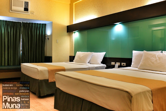 Microtel Cabanatuan Double Room