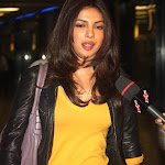Priyanka Chopra Snapped at Airport Pics