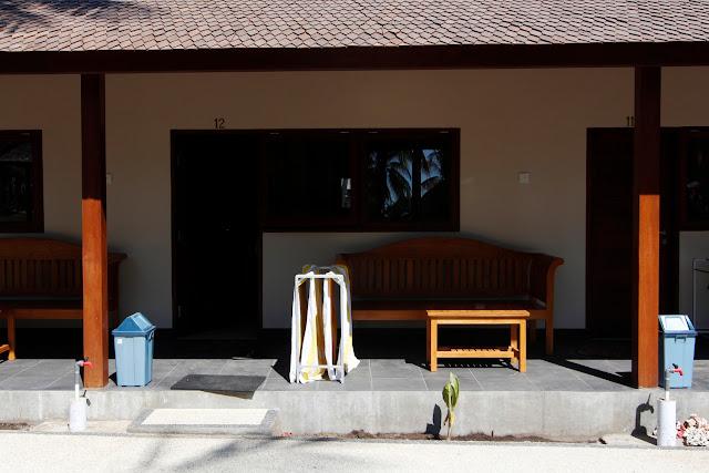 Porche de una habitación del hotel Trawangan Oasis (Gili Trawangan)