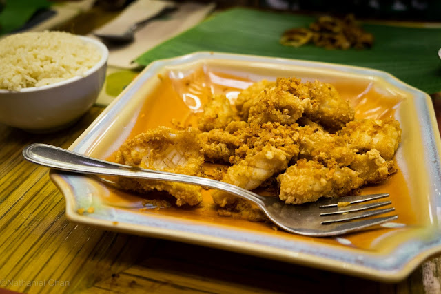 Deep Fried Squid/Calamares of Banana Leaf