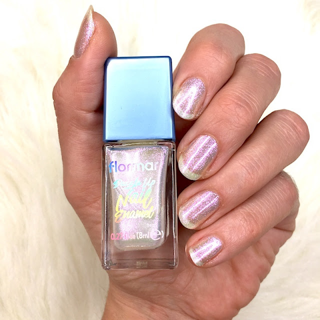 Flormar Dazzle Up Nail Enamel 01 Snow Globe oje lite it up