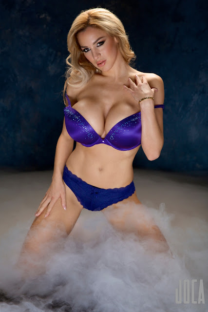 Jordan-Carver-WWL-Photo-Shoot-in-Hot-Blue-Bikini-HD-Picture-28
