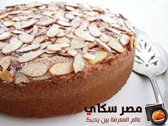 طريقة وخطوات عمل كعكة اللوز