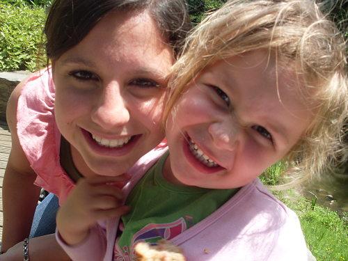 Trabajando de niñera en Nueva Zelanda podremos ganar dinero y mejorar el inglés al mismo tiempo