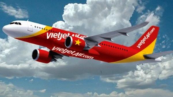 Terbang Dengan Vietjet Air Bonus Pramugari Berbikini - Wagz - Hot Girls Entertainment News