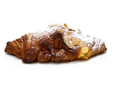 クロワッサン・オ・ザマンド(Croissant aux amandes) | GONTRAN CHERRIER(ゴントラン シェリエ)