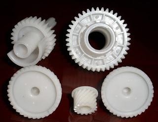 Nhựa cây nhựa tấm POM gia công bánh răng trong ngành ô tô , cơ khí, sản xuất thực phẩm