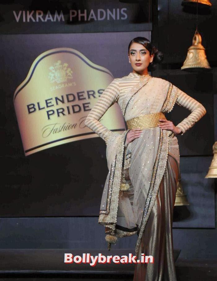 Binal Trivedi, Models Walk the Ramp for Vikram Phadnis at BPFT 2013