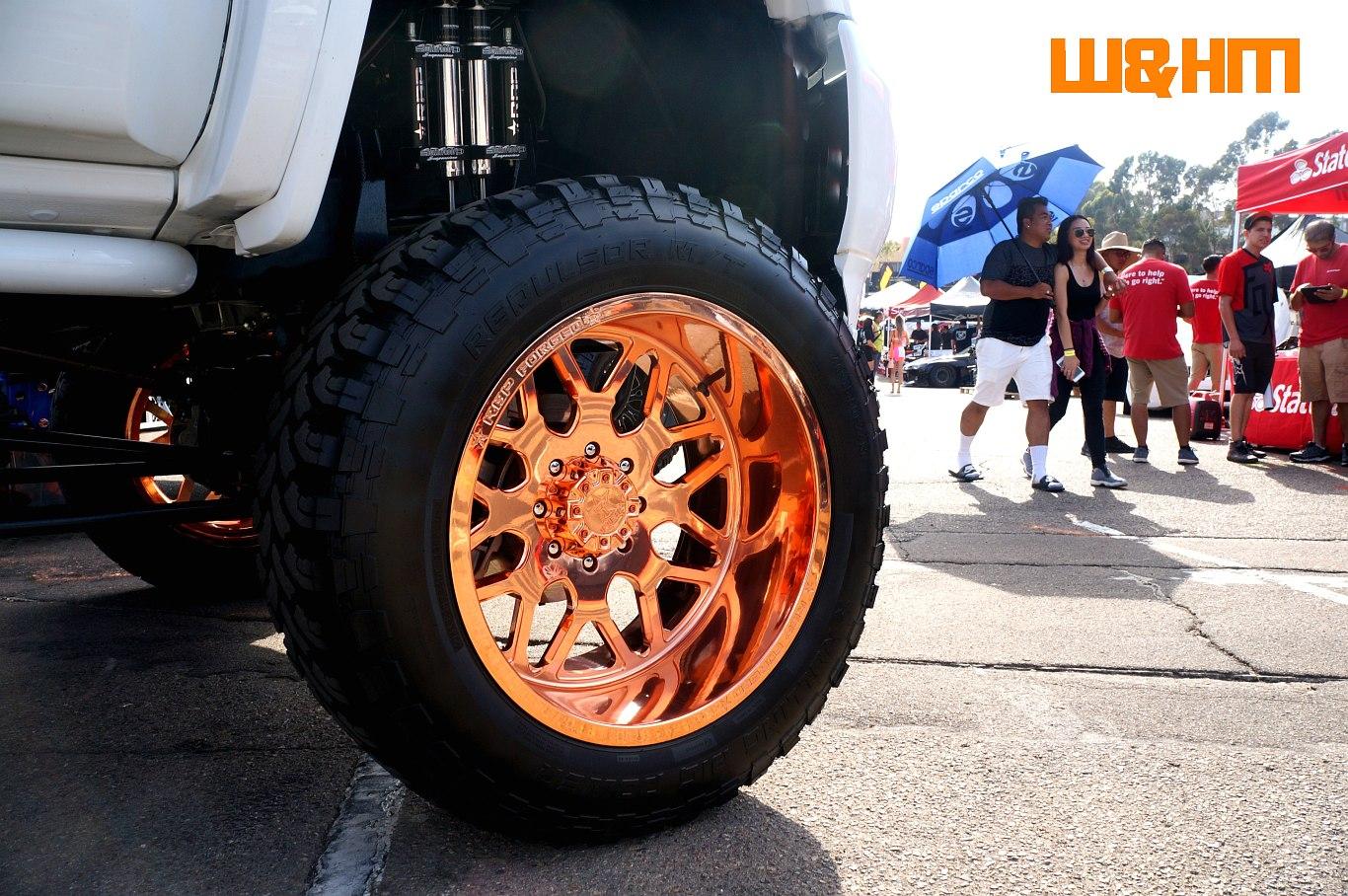Wheels and Heels Magazine Cars: Lexani Wheels show cars at Extreme ...