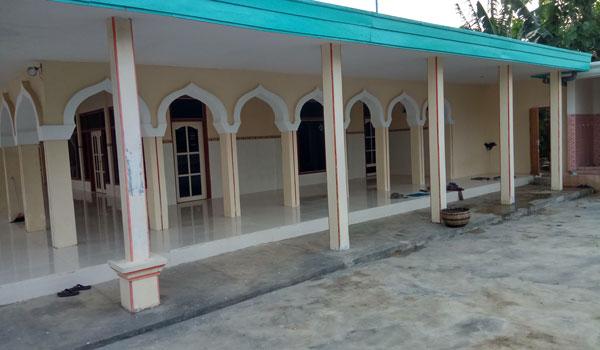 Akhlak atau Sikap Kita Ketika Masuk ke Masjid