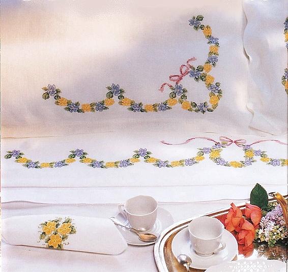 Grande raccolta di schemi e grafici per punto croce free il lenzuolo della sposa a puntocroce - Tovaglie da bagno ...