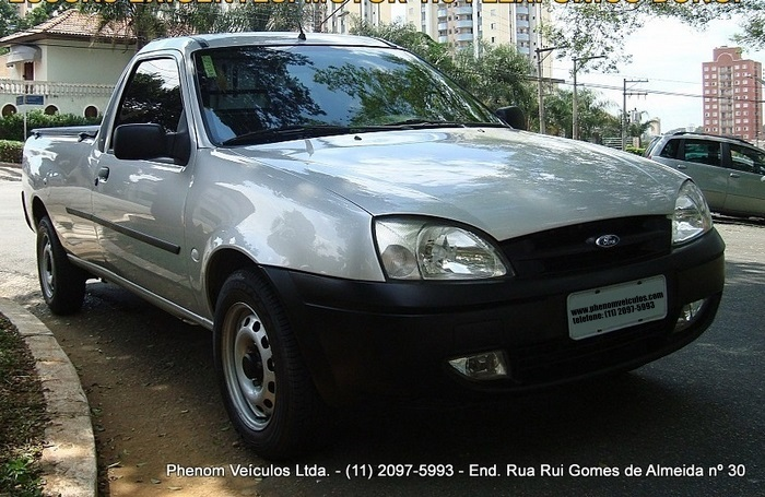 Ford Courier 2008 1.6 Flex - frente
