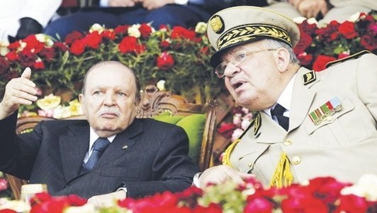 القايد صالح و الرئيس بوتفليقة على لسان واحد ضد الجهات الخفية