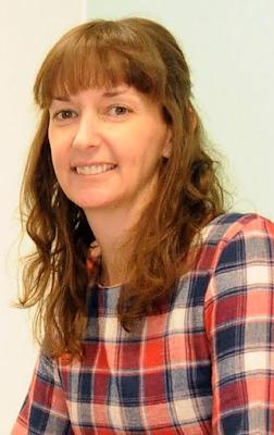 Ebola nurse Pauline Cafferkey sparks fresh health scare as she's taken to hospital in Glasgow under police escort (photos)