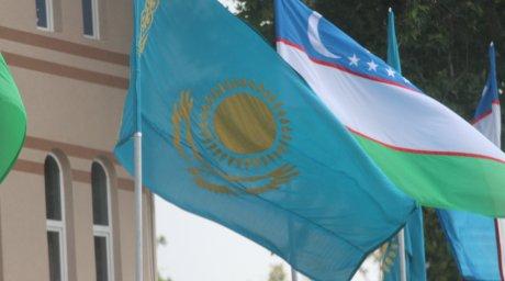 Казахстан Узбекистан флаги