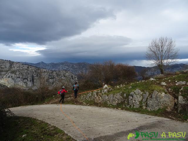 Abandonando Trespandiu para bajar a Puente la Vidre