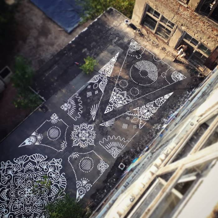 French Artist Draws Traditional Paint On The Streets Of European Cities
