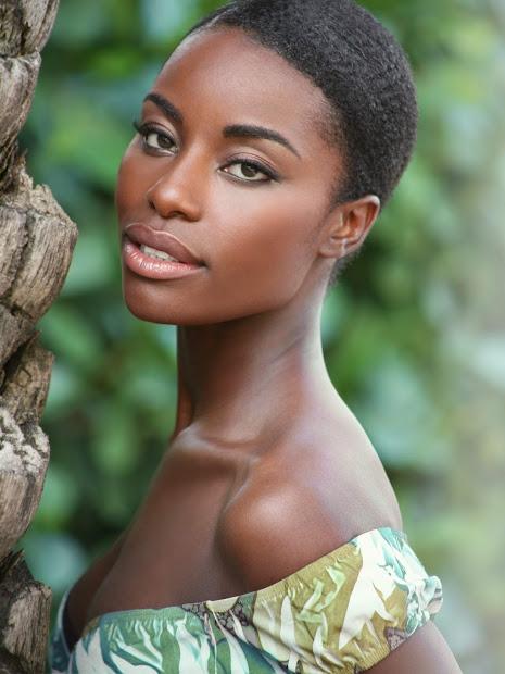 naturally beautiful hair model