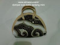 souvenir dompet batik kiso