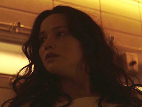 Katniss Everdeen (Jennifer Lawrence) en Los juegos del hambre. Sinsajo parte 1 - Cine de Escritor