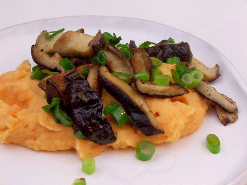 lecker bentos und mehr s kartoffelstampf mit shiitake pilzen. Black Bedroom Furniture Sets. Home Design Ideas