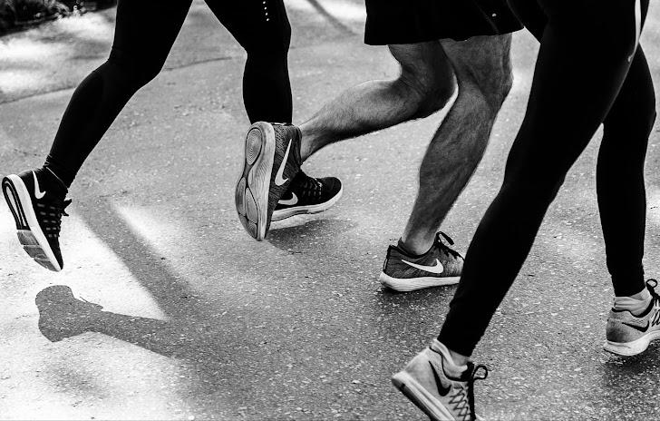 7 Tips Memilih Sepatu Lari Yang Baik dan Bagus Untuk Pria dan Wanita