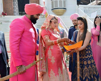 aarya-babbar-wedding-candid-photos2