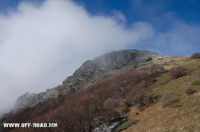 Поглед кон врвот Вртешка - во близина на село Маловиште, Општина Битола