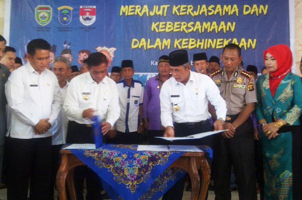 Pemkab OKI dan Pemkab Mesuji Lampung Lakukan MoU