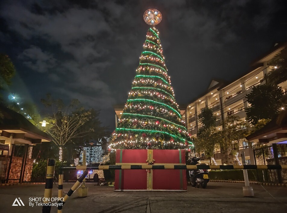 OPPO R17 Pro Main Camera Sample - Night, Christmas Tree