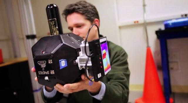 NASA's original astronaut-replacing robot, mechanical by Google ballet smart phones
